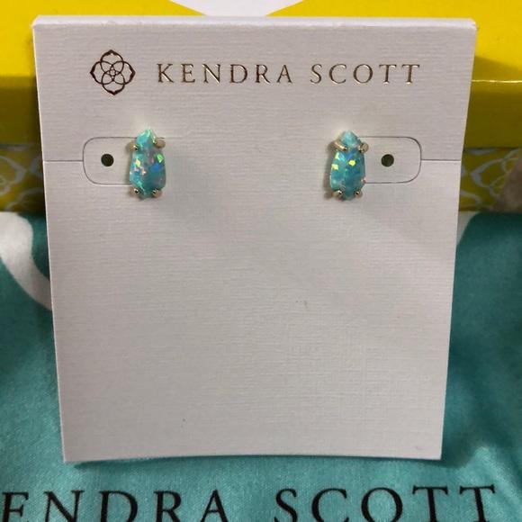 71ce0e31b Kendra Scott Jewelry - Kendra Scott Jillian Stud earrings!
